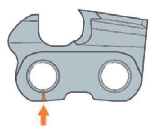 Трещины под головками передних заклепок режущих зубьев и соединительных звеньев